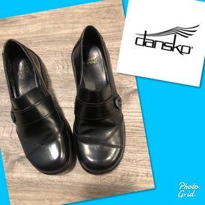 Dansko button side clogs shoes 39